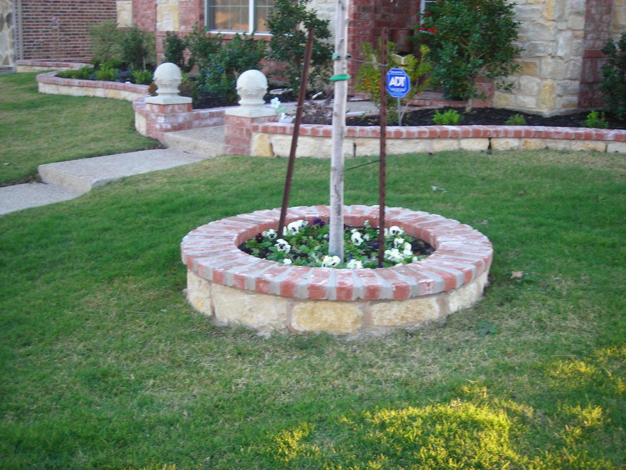 Dallas retaining walls and fences photo gallery for Flower bed wall designs